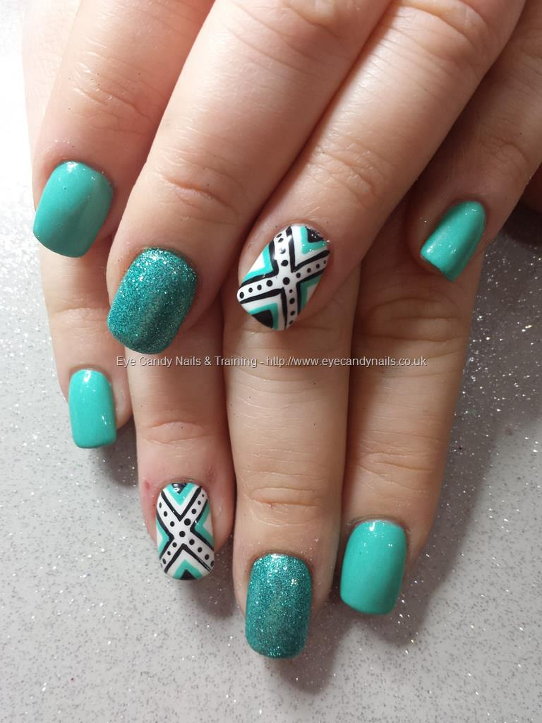 Social Build Mint Green Gel With Glitter And Freehand Nail Art